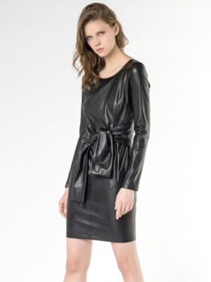 Patrizia Pepe - Короткое платье из синтетической кожи