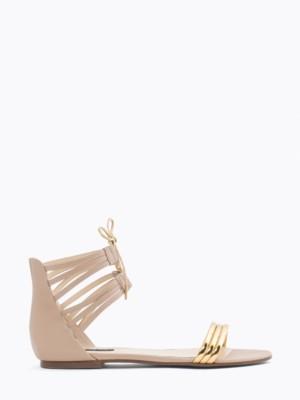 Patrizia Pepe - Сандалии на низком каблуке из мягкой и ламинированной кожи