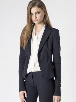 Patrizia Pepe - Узкий пиджак с удлиненным зауженным рукавом из шерстяного габардина стрейч